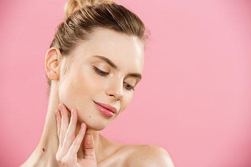 Dinos qué tipo de piel tiene tu rostro y te damos el tratamiento facial ideal